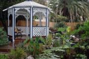 Фото 24 Красивые и простые садовые беседки: 70 фото