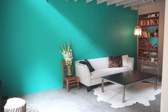 """Краска для стен в квартире. Водные и алкидные краски подходят для окрашивания обоев """"под покраску"""""""
