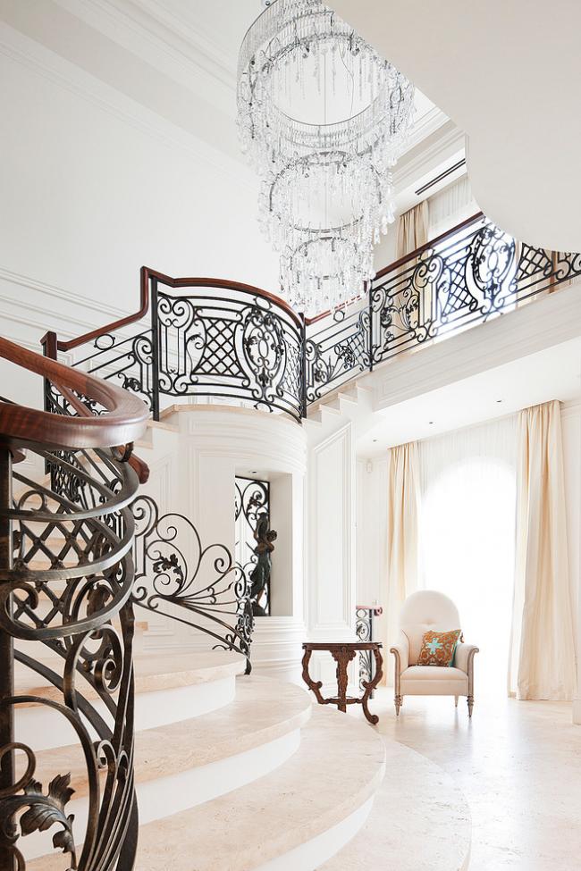 Перила лестницы могут представлять собой настоящее произведение искусства