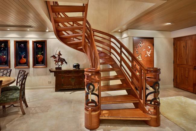 Лестницы из дерева максимально комфортизируют окружение и достаточно просты в уходе