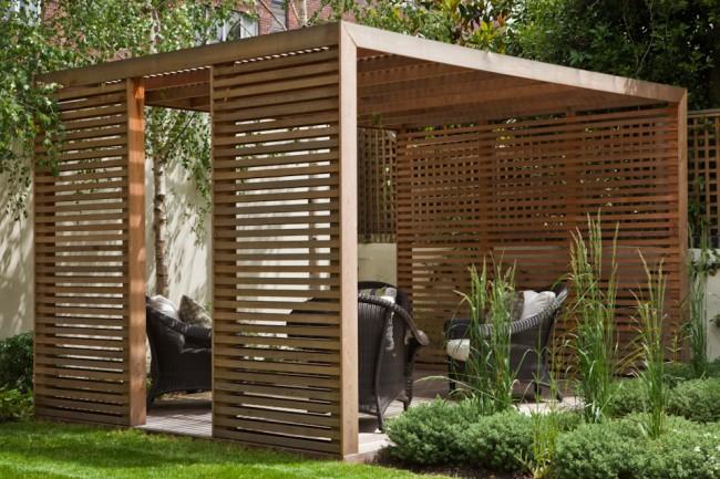Легкий в постройке сосновый павильон для создания тени