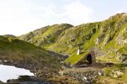 Фото 7 Åkrafjorden: охотничий домик, скрывающийся в горах Норвегии