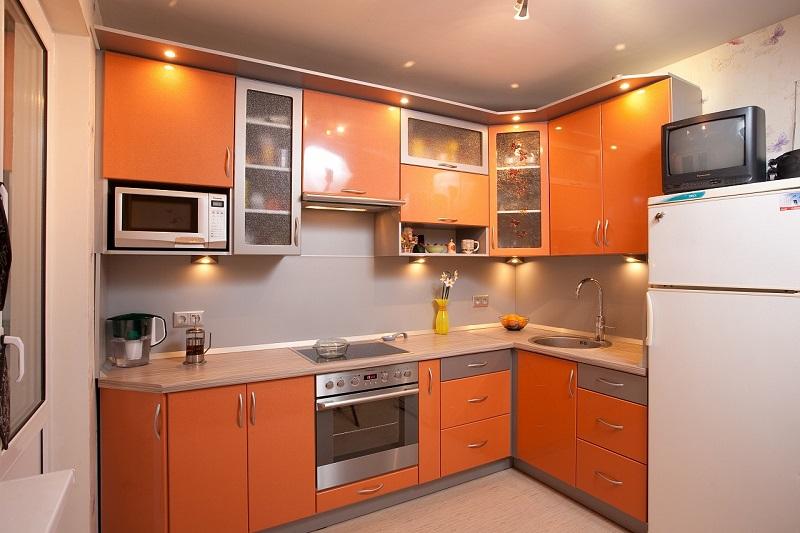 Кухня в оранжевом стиле дизайн 134
