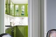 Фото 1 Дизайн кухни зеленого цвета (80+ трендовых интерьеров): модные сочетания оттенков от фисташкового и оливкового до изумруда и хаки