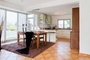 Фото 23 Интерьер кухни в частном доме: как создать эстетичное и комфортное пространство