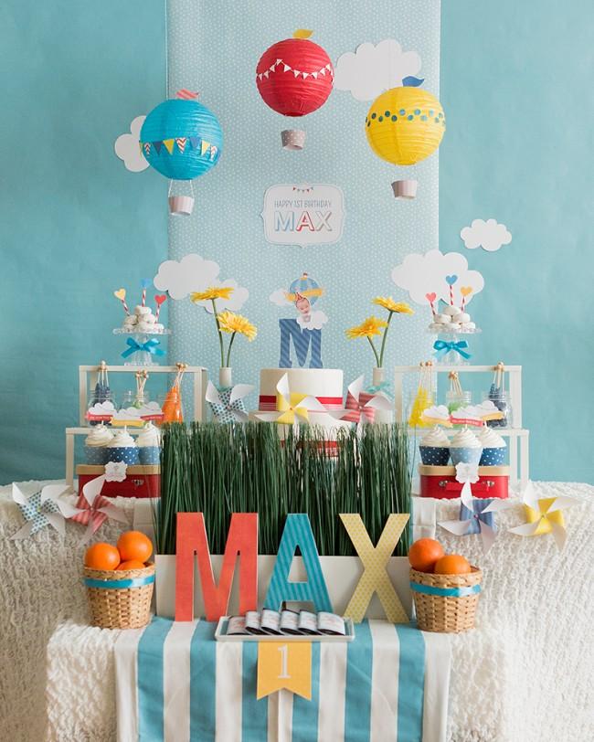 Летний светлый день - отличное решение для праздничного стола в любую погоду и в любое время года