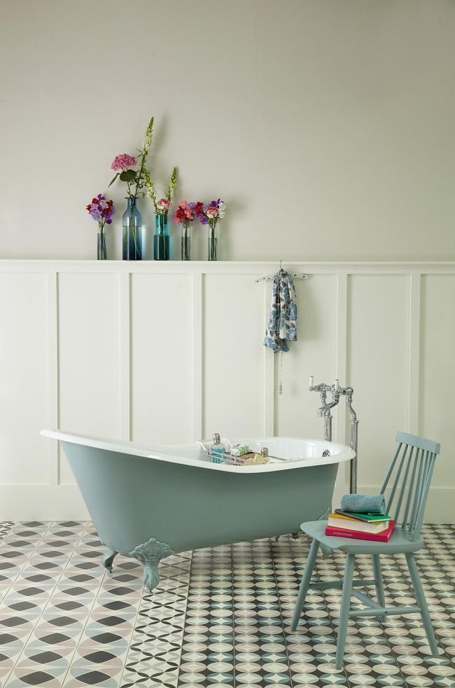 Большой вес чугунной ванны вызывает проблему во время транспортировки, монтажа и установки