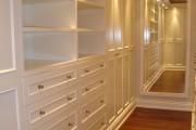Фото 26 Место всегда найдется: 70+ восхитительно практичных идей переделки гардеробной из кладовки