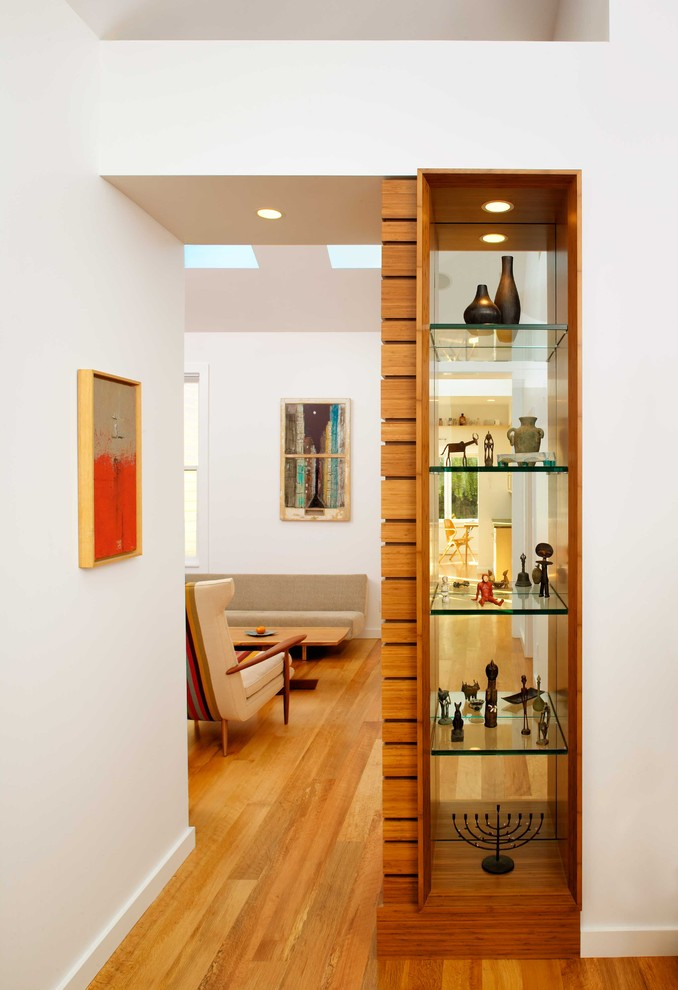 Стеллаж-перегородка для комнаты (40 фото): оригинально, функ.
