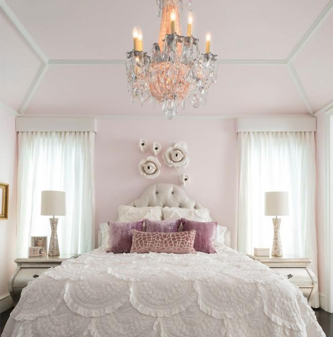 Нежная и романтичная спальня.