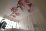 Фото 4 Натяжные потолки для спальни (40 фото): романтично, стильно и практично