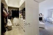 Фото 11 Место всегда найдется: 70+ восхитительно практичных идей переделки гардеробной из кладовки