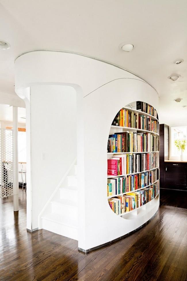 Фантазия дизайнеров относительно книжных полок и стеллажей просто не ограничена