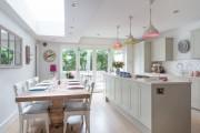 Фото 1 Белая кухня в интерьере: 75+ роскошных классических интерьеров и лучшие цветовые сочетания с белым