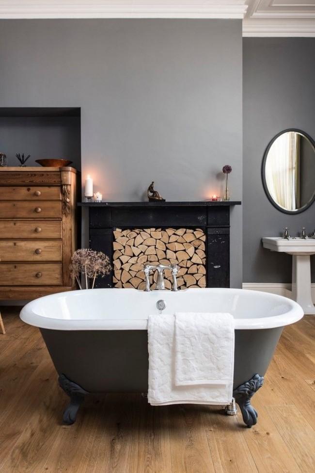 Чугунная ванна с красивыми декоративными ножками
