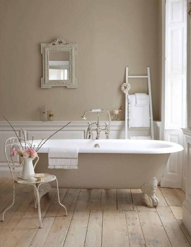 Прекрасный интерьер ванной комнаты в бежевом цвете