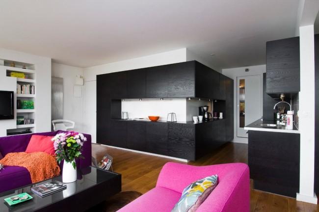 Барная стойка вместо кухонного стола - вариант, который подойдет не для каждого