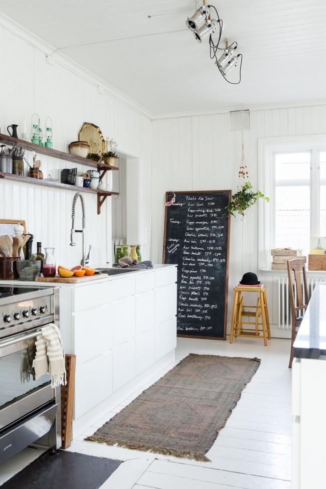 Белый цвет поможет сделать вашу кухню больше
