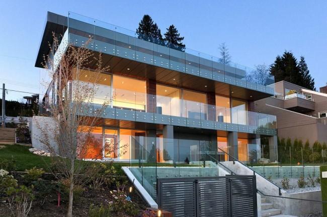 Прекрасный двухэтажный дом в стиле хай-тек