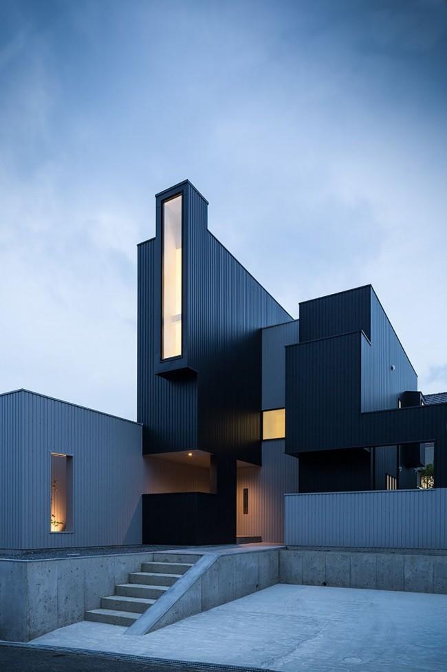 Эффектный загородный дом в стиле хай-тек