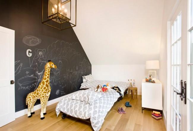 С такой стеной для рисования малыш никогда не будет скучать