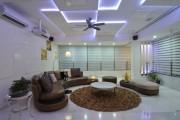 Фото 8 Двухуровневые натяжные потолки для зала (47 фото): материалы, форма, цвет