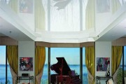 Фото 15 Двухуровневые натяжные потолки для зала (47 фото): материалы, форма, цвет