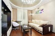 Фото 1 Двухуровневые натяжные потолки для зала (47 фото): материалы, форма, цвет