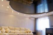 Фото 22 Двухуровневые натяжные потолки для зала (47 фото): материалы, форма, цвет