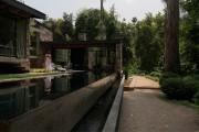 Фото 5 Casa Boher: дом над каналом в пригороде Сантьяго