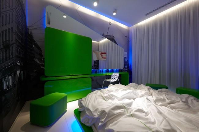 Яркая, супер-современная спальня для тинейджера или молодого человека
