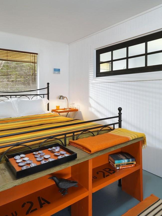 Спальня небольших размеров в морском стиле