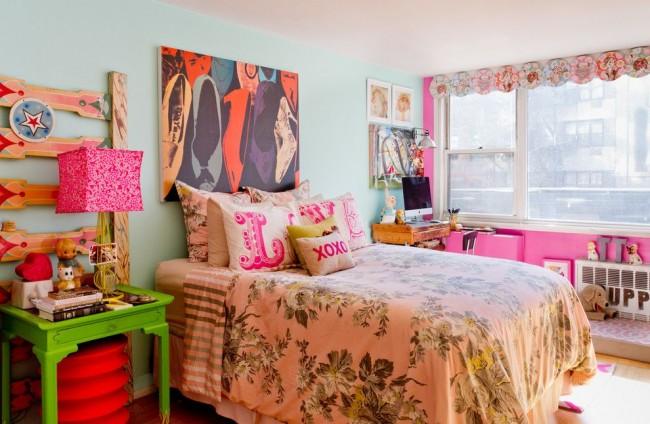 Яркий интерьер спальни в стиле фьюжн