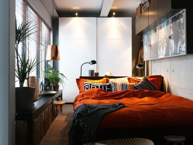 Кровать с шириной 180 см - отличный вариант для небольшой спальни