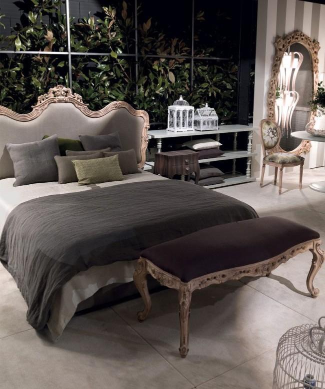 Теплая классическая спальня с панорамным видом