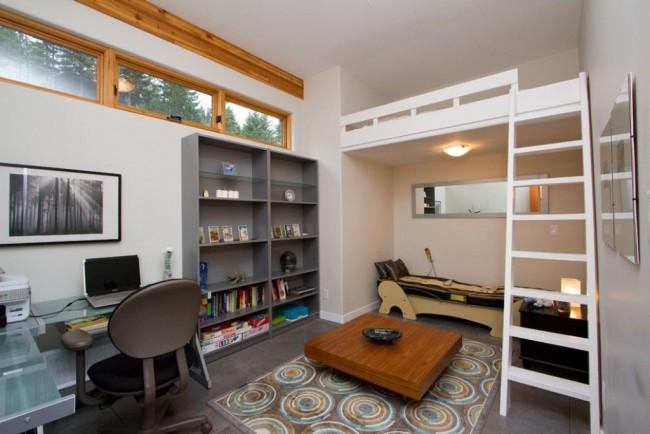 В такой комнате вашему сыну будет место и для учебы и для отдыха