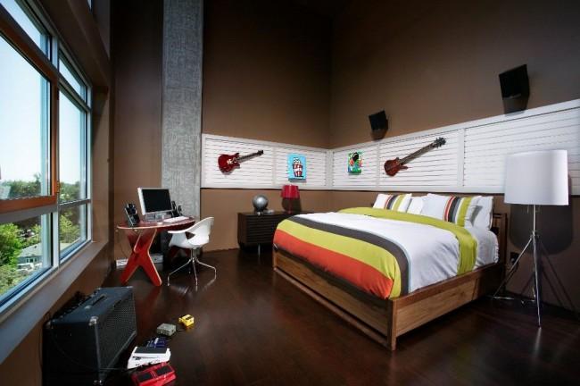 Сочетание музыкальных элементов и аксесуаров в спальне это тоже хорошая идея