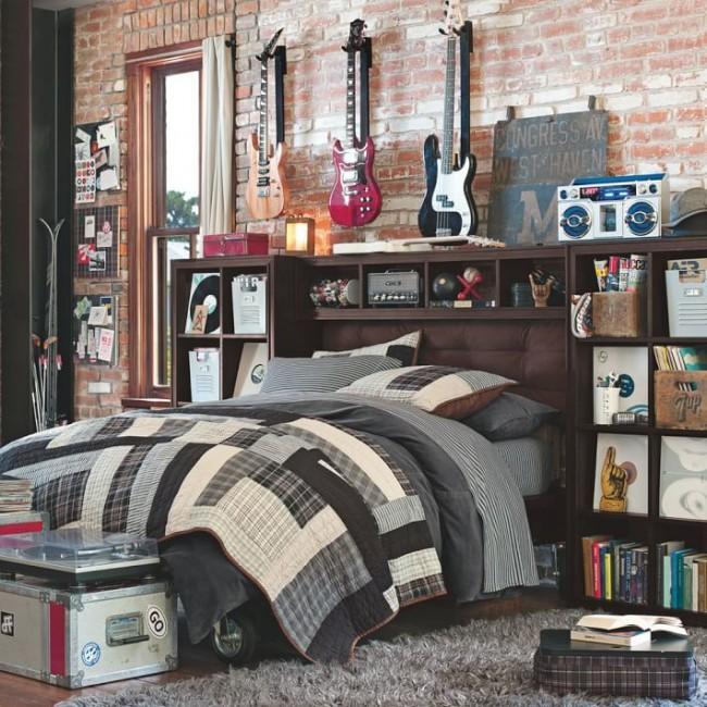 Такой спальне явно позавидую друзья вашего сына, если они любят рок