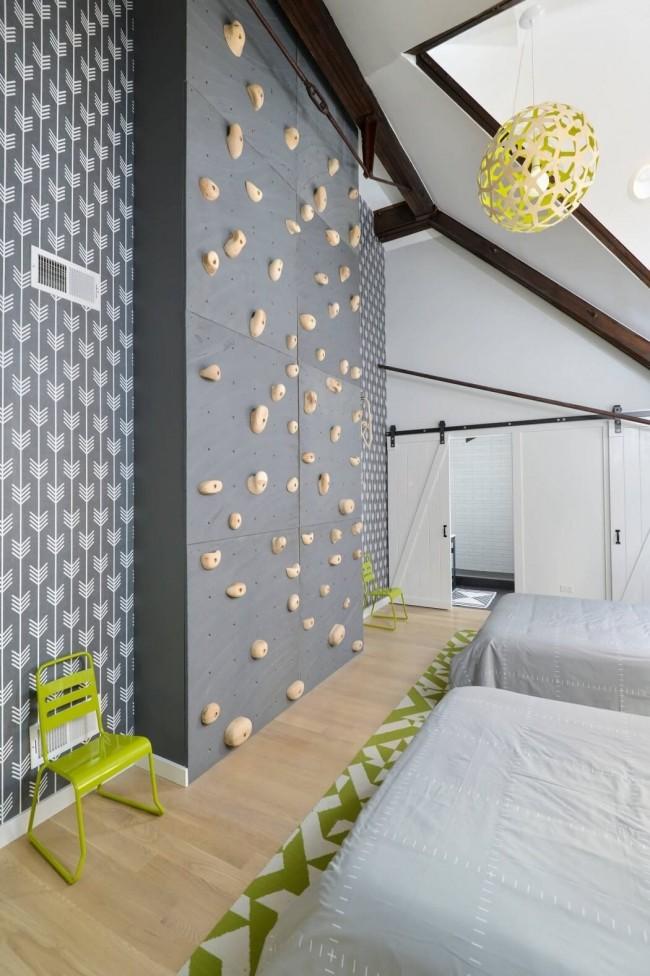 Если у вашего чада есть пристрастия к альпинизму, то сделайте такую стенку у него в спальне, он будет в восторге