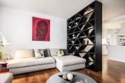 Фото 2 Стеллажи для дома без задней стенки: обзор недорогих и лаконичных моделей в интерьере