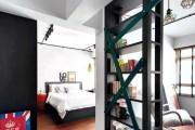 Фото 12 Стеллажи для дома без задней стенки: обзор недорогих и лаконичных моделей в интерьере