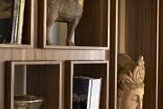 Фото 22 Стеллажи для дома без задней стенки: обзор недорогих и лаконичных моделей в интерьере