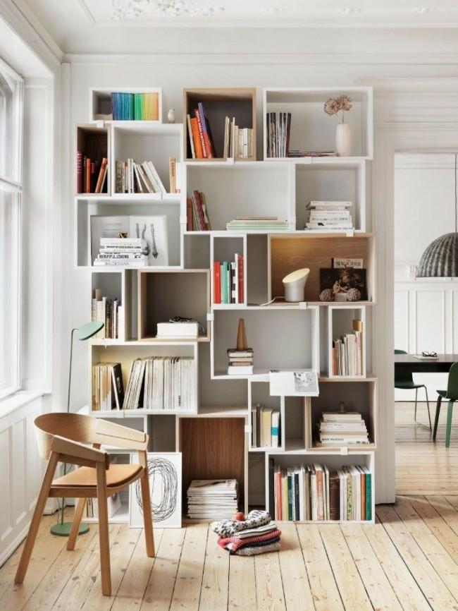В таком стеллаже можно организовать библиотеку