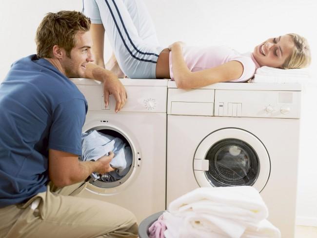 Если у вас нет проблем с местом, то вполне логичным будет приобретение еще и сушильной машины в дополнение к стиральной