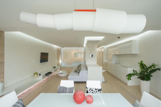 Холодная квартира в белом, в стиле хай тек