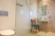 Фото 10 Интерьер ванной комнаты совмещенной с туалетом (62 фото): грамотный подход и тонкости декорирования