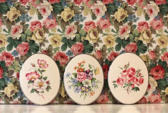 Викторианские розы - очень узнаваемый мотив, подходящий как для создания канвы стиля, так и его подчеркивания