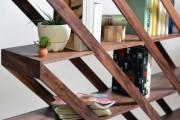 Фото 5 Стеллажи для дома без задней стенки: обзор недорогих и лаконичных моделей в интерьере