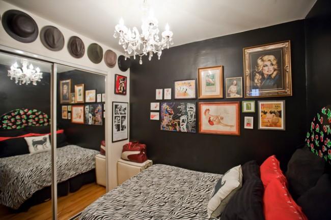 Гостиная и спальня в одной комнате. Цвет стен - хороший способ зрительно разделить жилую комнату на приватную и общественную части