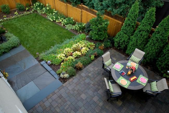 Грядки на даче: высокие, умные, ленивые. Еще один пример контрастного дизайна для декоративных садовых растений и для грядок